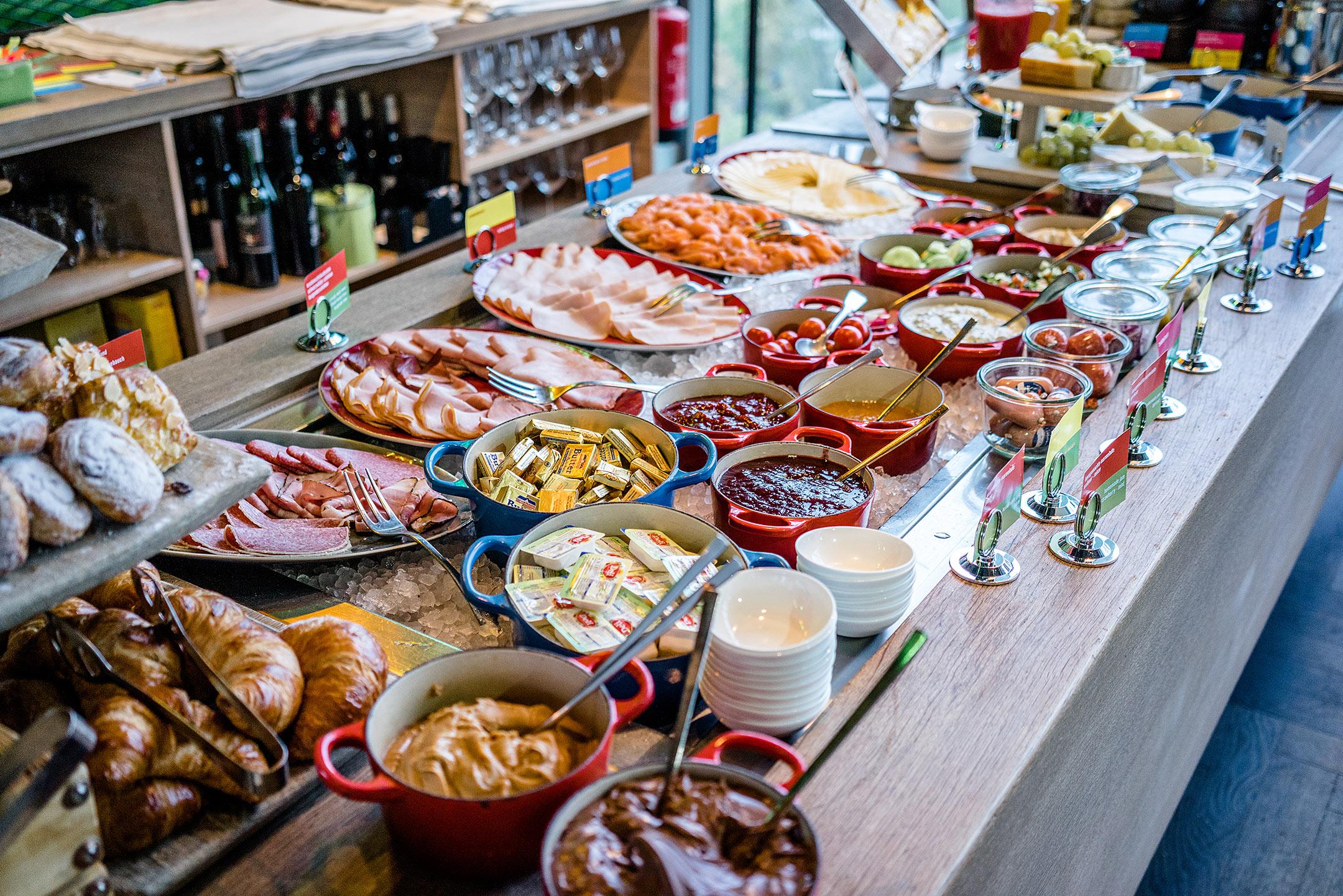 25hours Hotel Bikini Berlin Frühstück Breakfast Travel Blog Sunnyinga