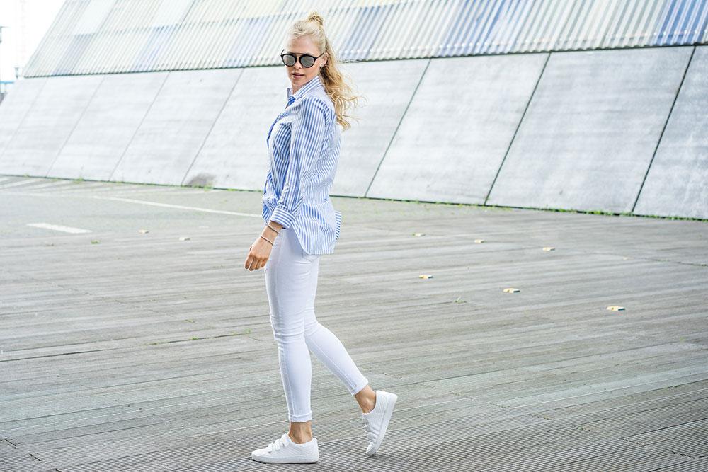 bluse-jeans-sneaker
