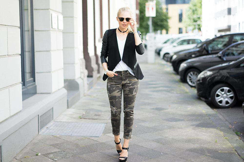 camouflage-damen-outfit