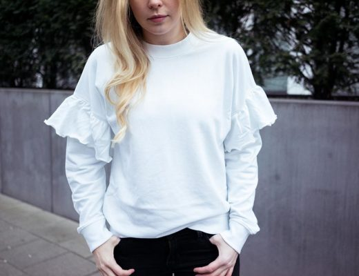 Statement Sweater weiß