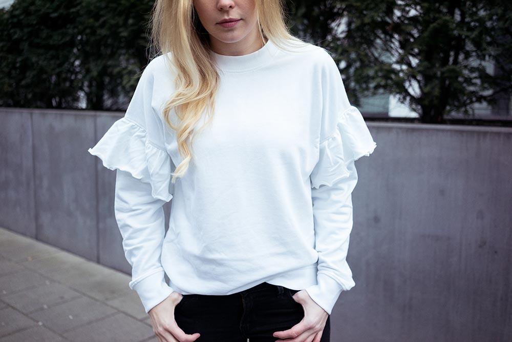 Statement Sweater weiß