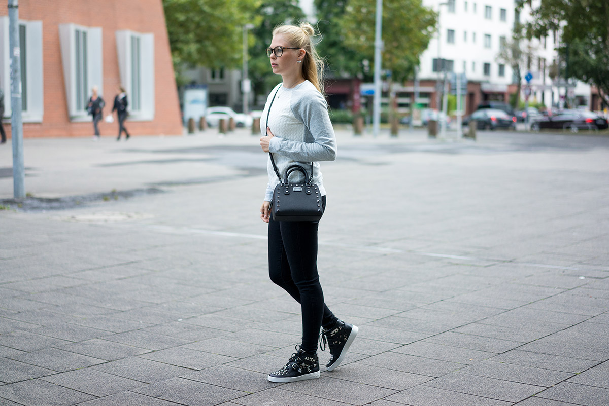 outfit-blonde-girl
