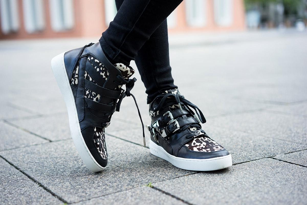 michael-kors-sneaker