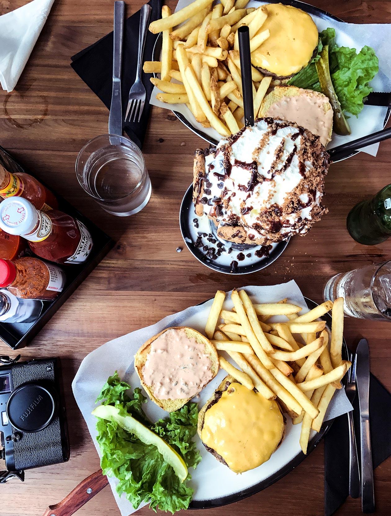 Black Tap Dubai Burger Shakes Sunnyinga Travelblog