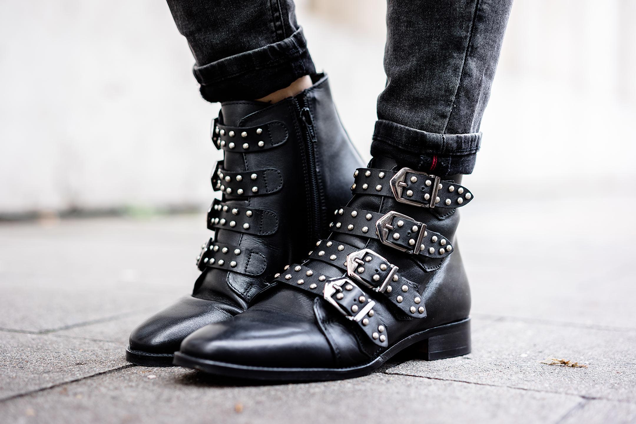 Boots schwarz Reserved rockig Schnallen Sunnyinga Modeblog Düsseldorf