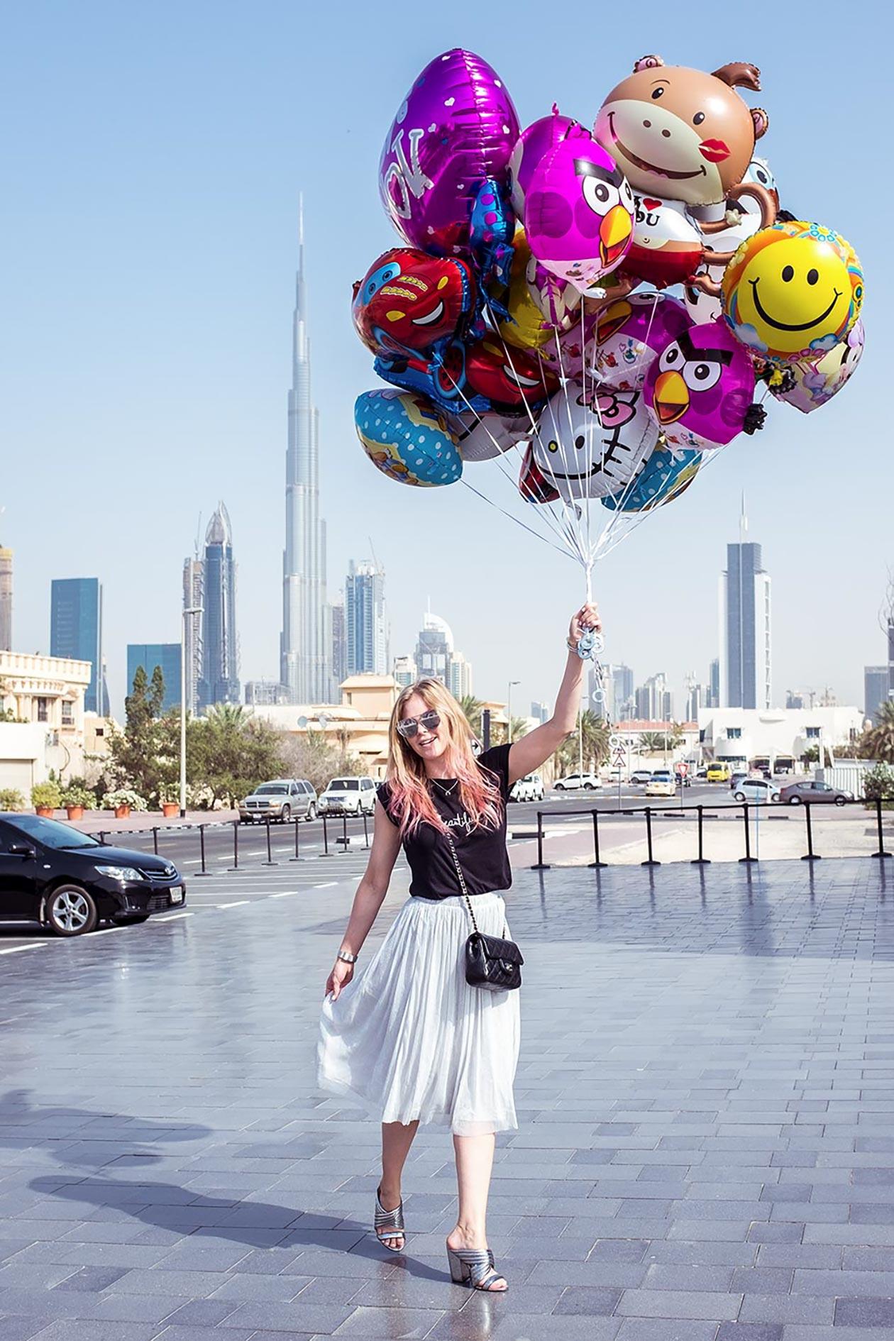 BoxPark Dubai Sunnyinga Ballons Burj Khalifa Travelblog