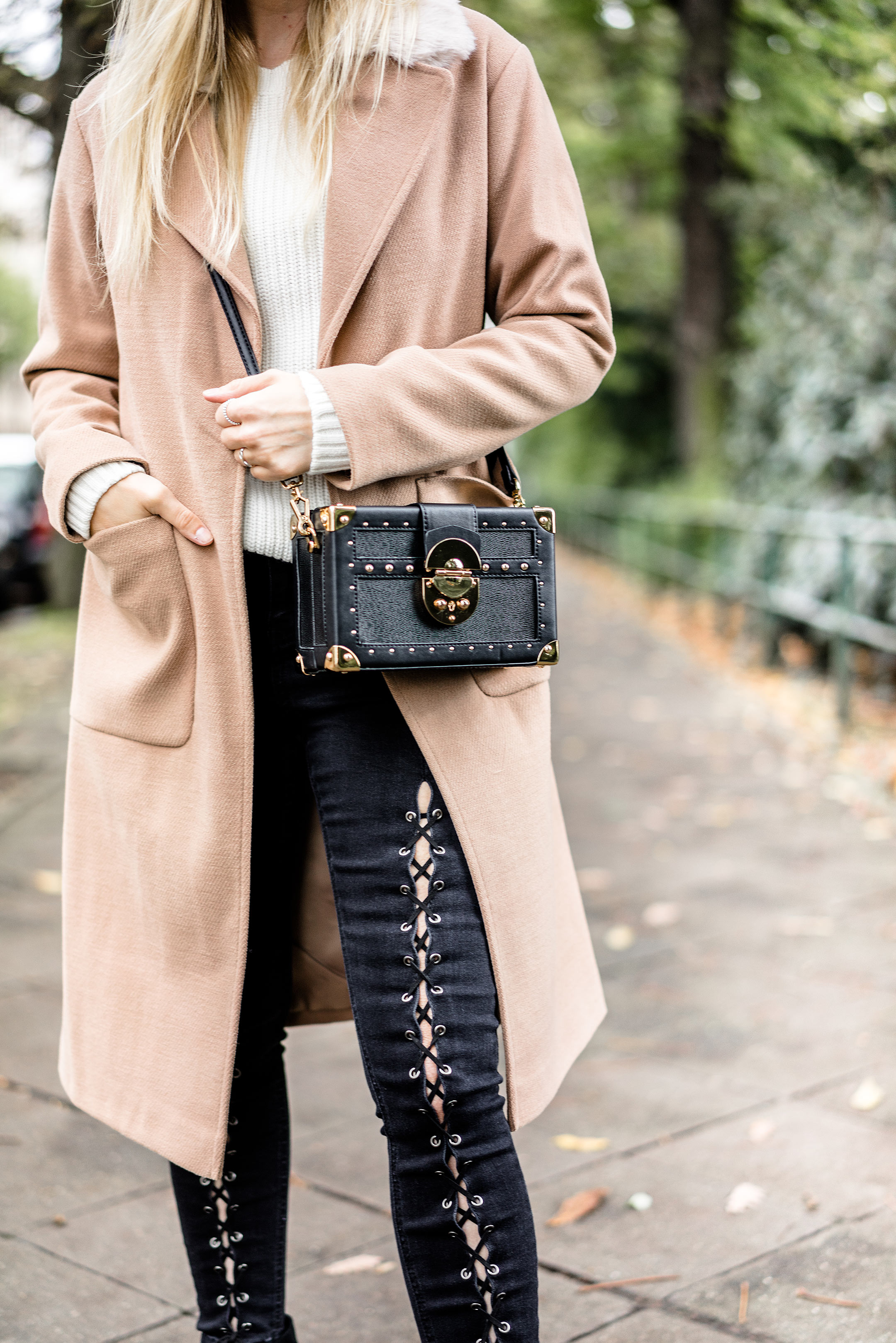 Camel Coat Jeans kombinieren Fashion Blogger Sunnyinga