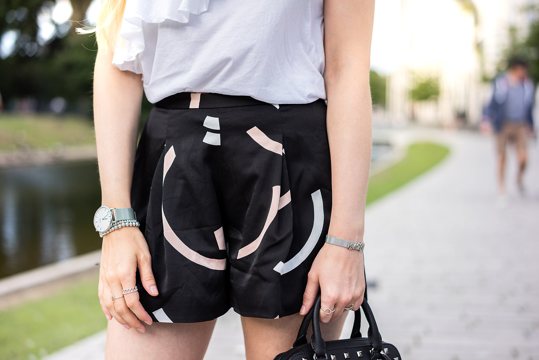 Cameo Collective Shorts Print Outfit Fashion Blog Sunnyinga