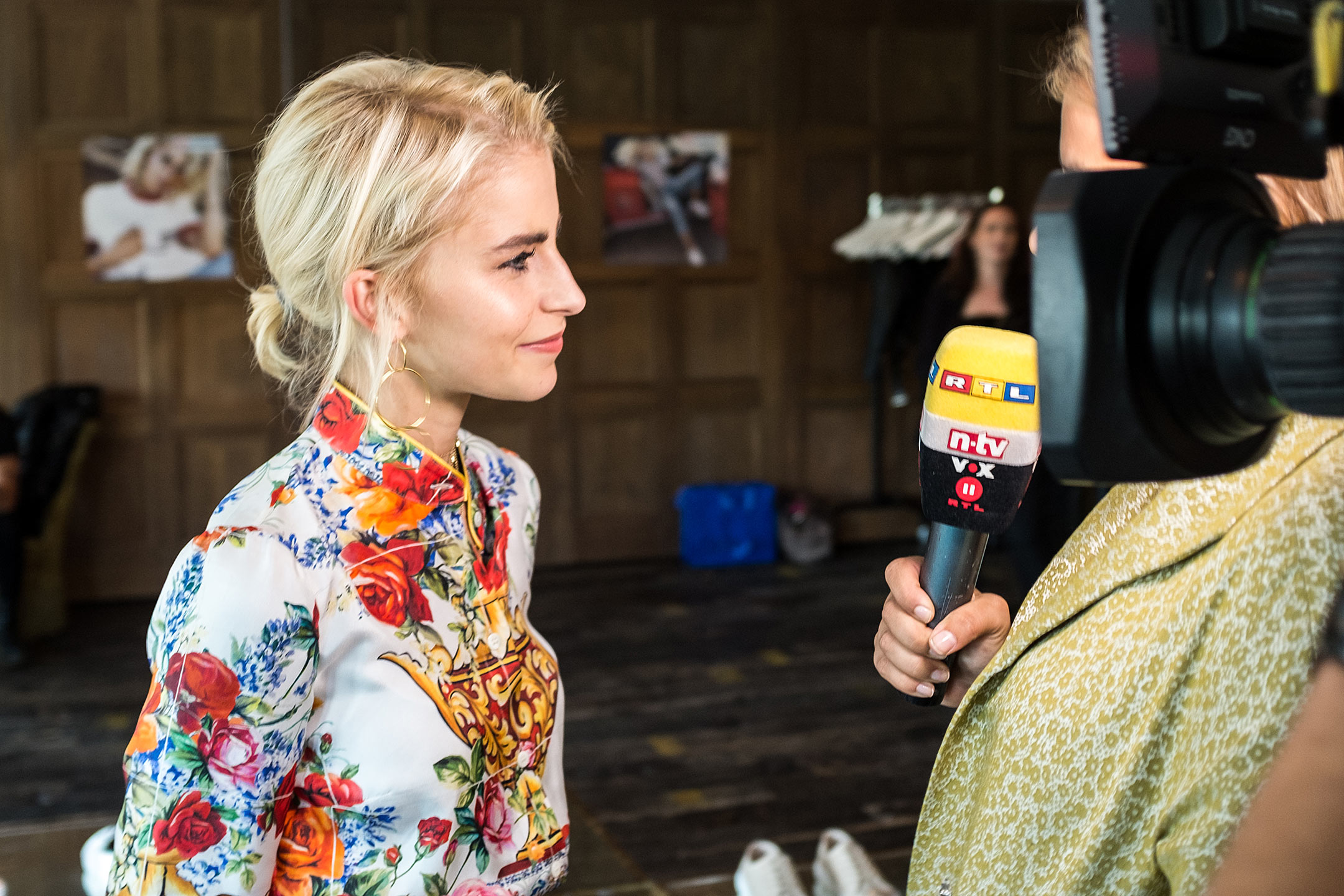Caro Daur Interview RTL Superga Release Event Sunnyinga
