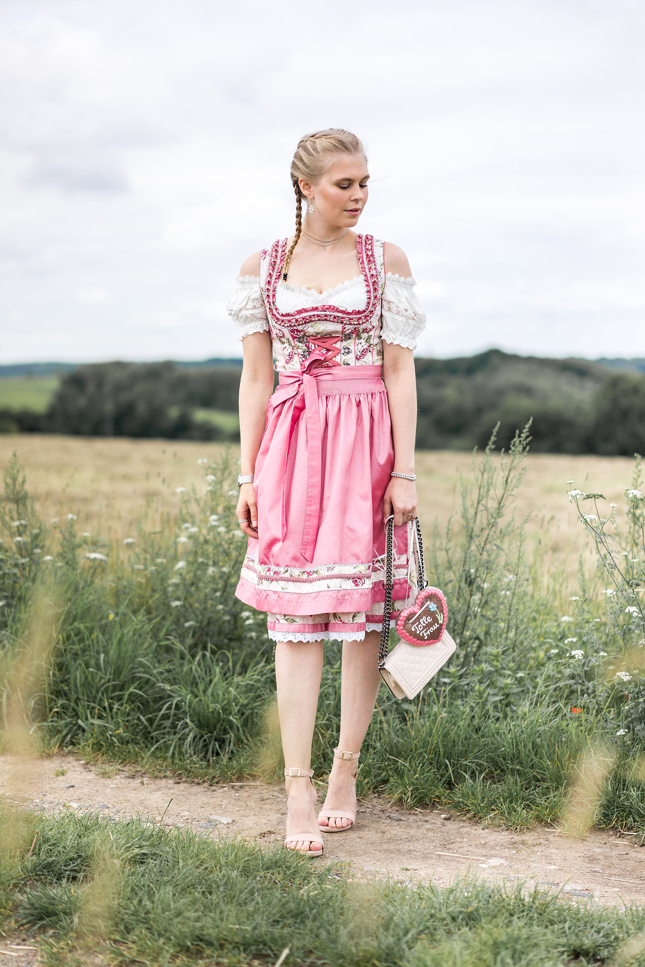 Dirndl rosa Sunnyinga Outfit Marjo Alpenclassics Bluse weiss