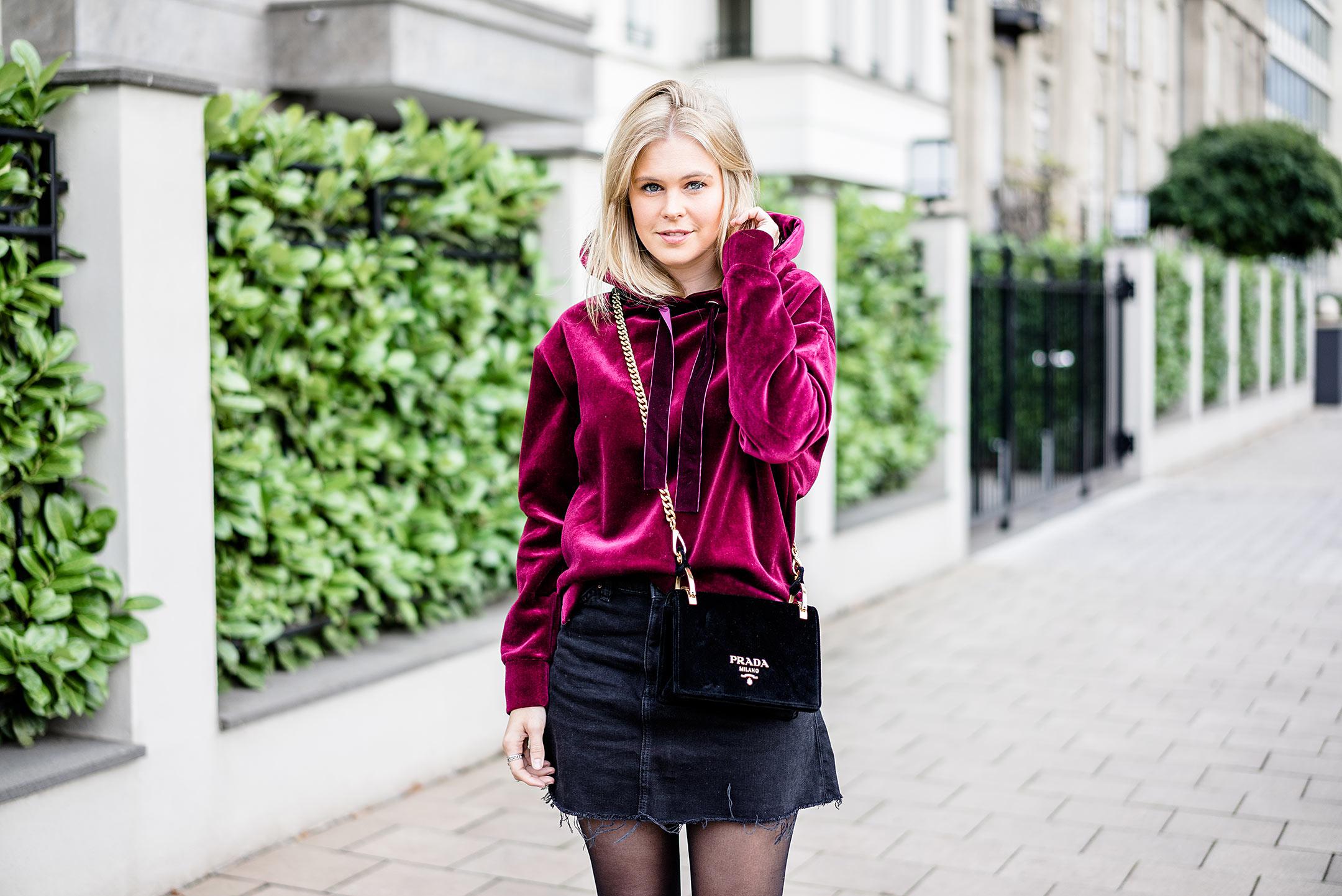 Fashionette Fun-Challenge Prada Samt Handtasche schwarz Outfit Sunnyinga