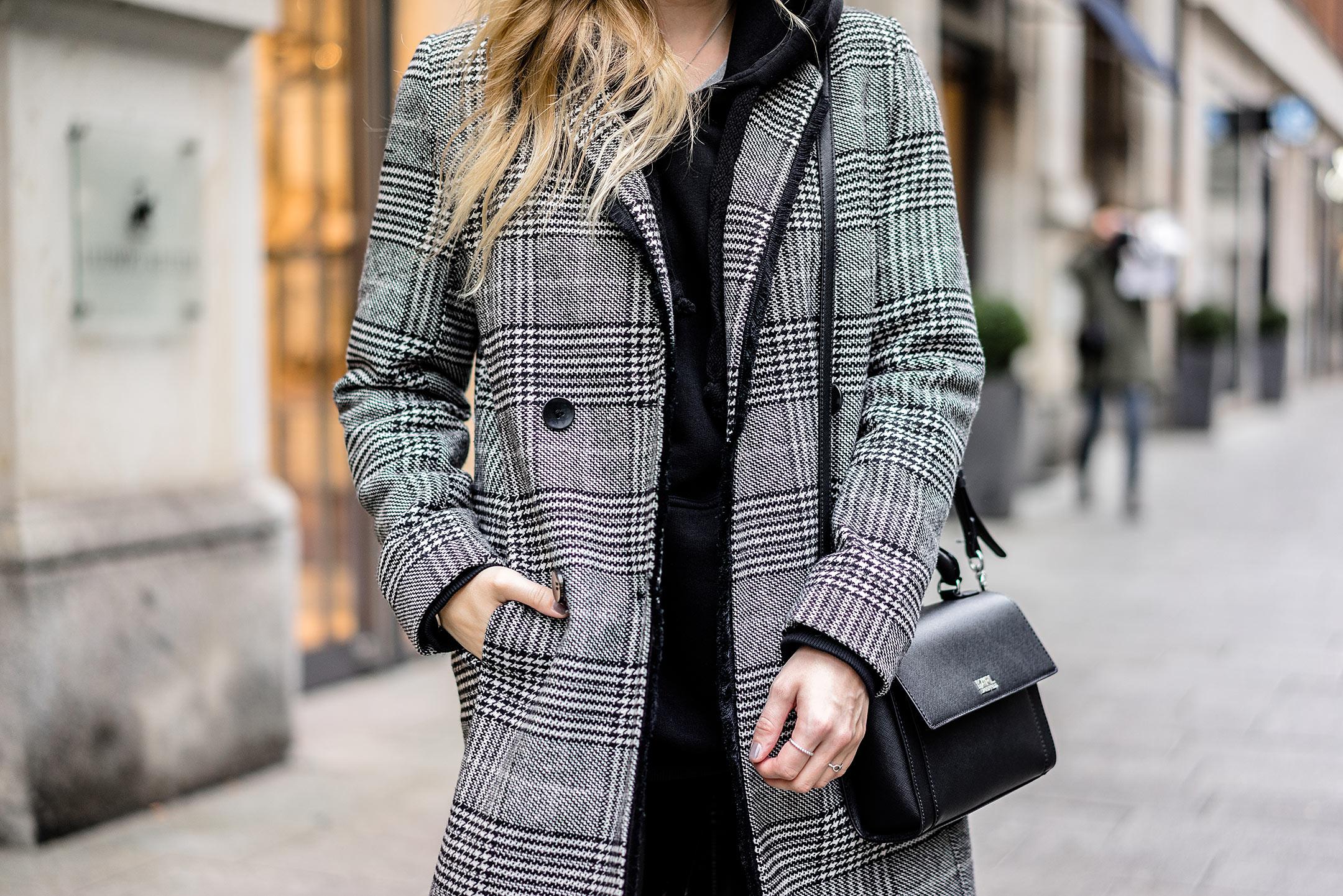 Karo Mantel Reserved Outfit Modeblog Sunnyinga Düsseldorf