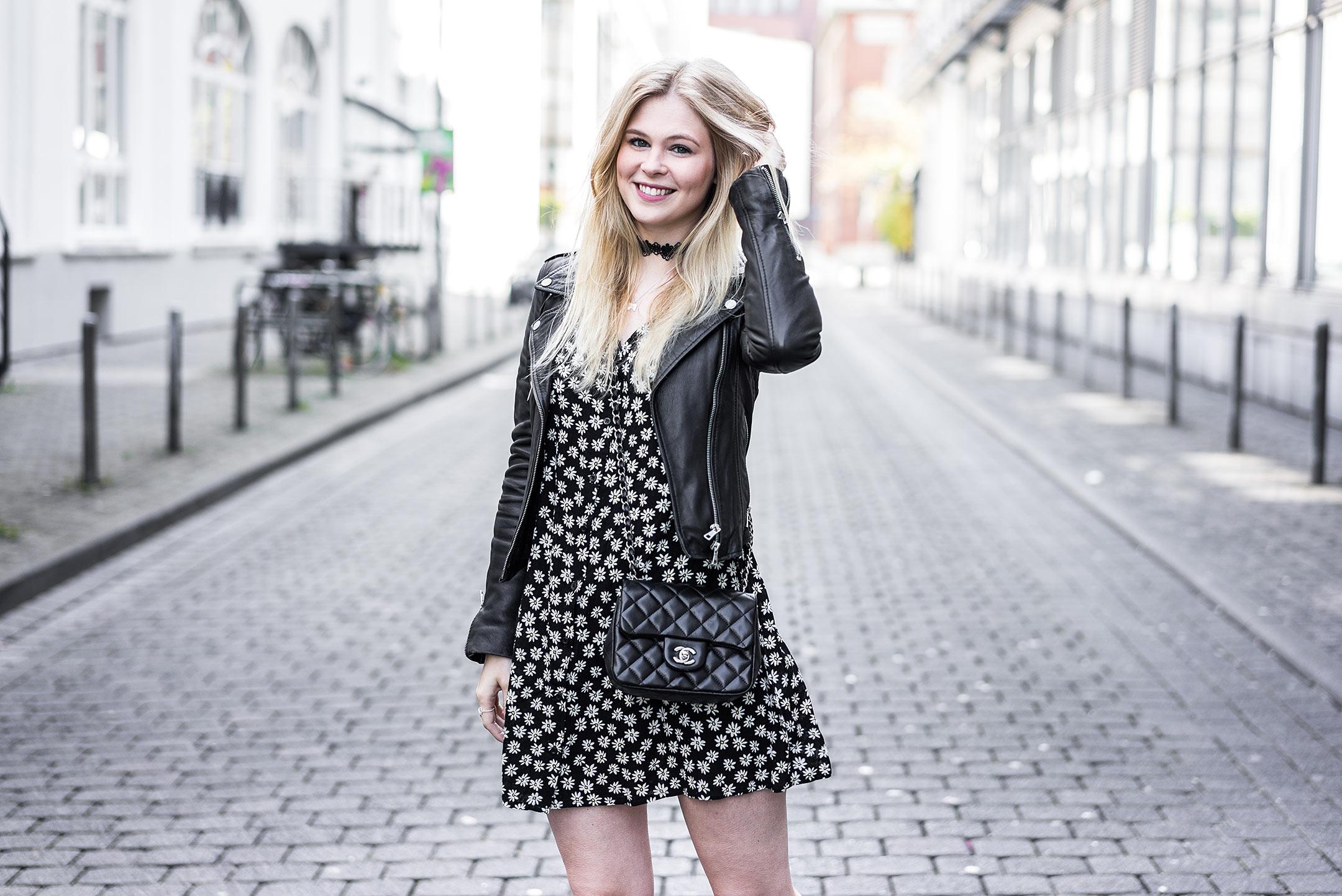 Kleid Blumenprint Fashionblog Sunnyinga Düsseldorf
