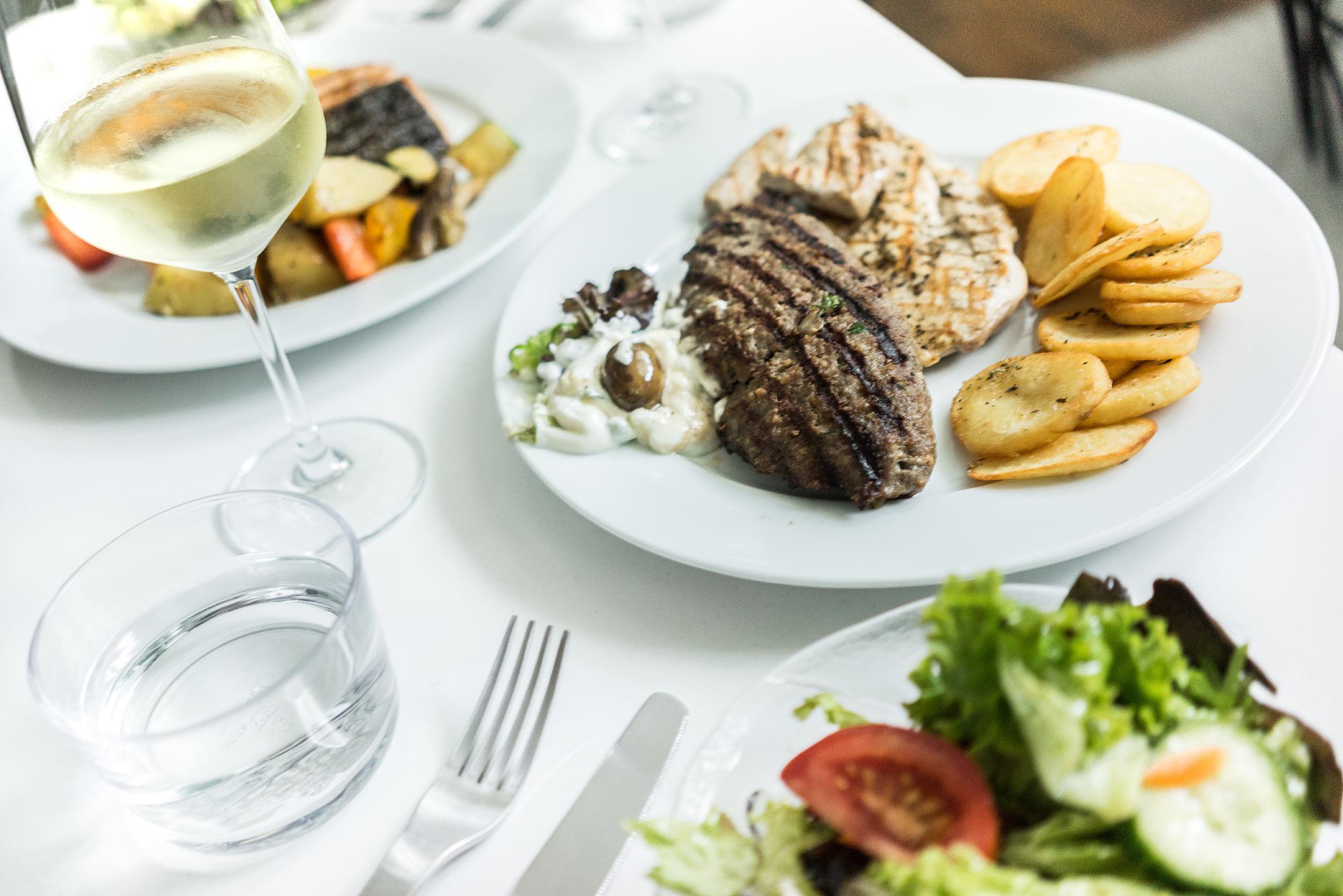 Kostas Fleischteller Foodora Düsseldorf Lifestyle Blog Sunnyinga