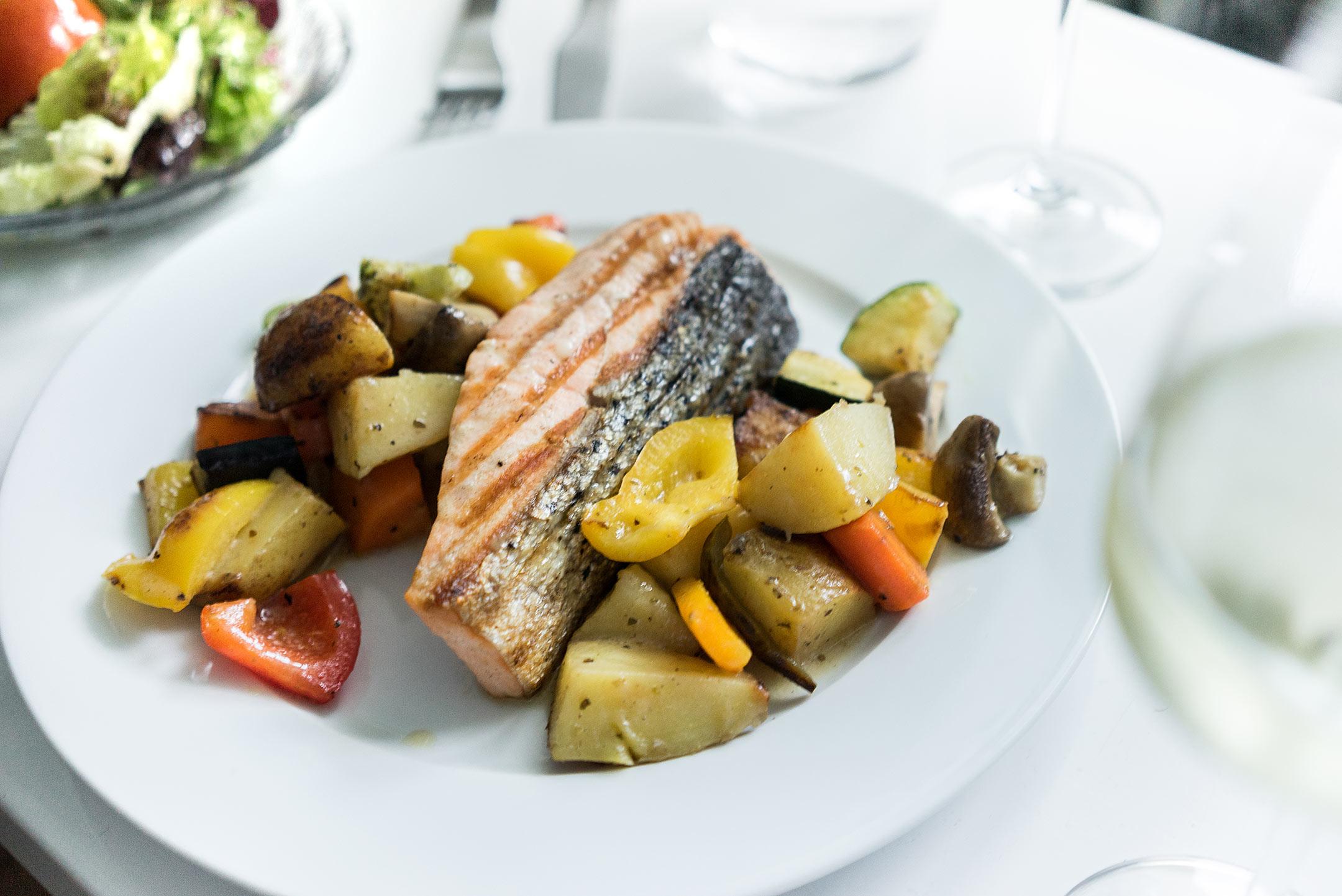 Lachsfilet Gemüse Düsseldorf Kostas Foodora Sunnyinga Lifestyle Blog