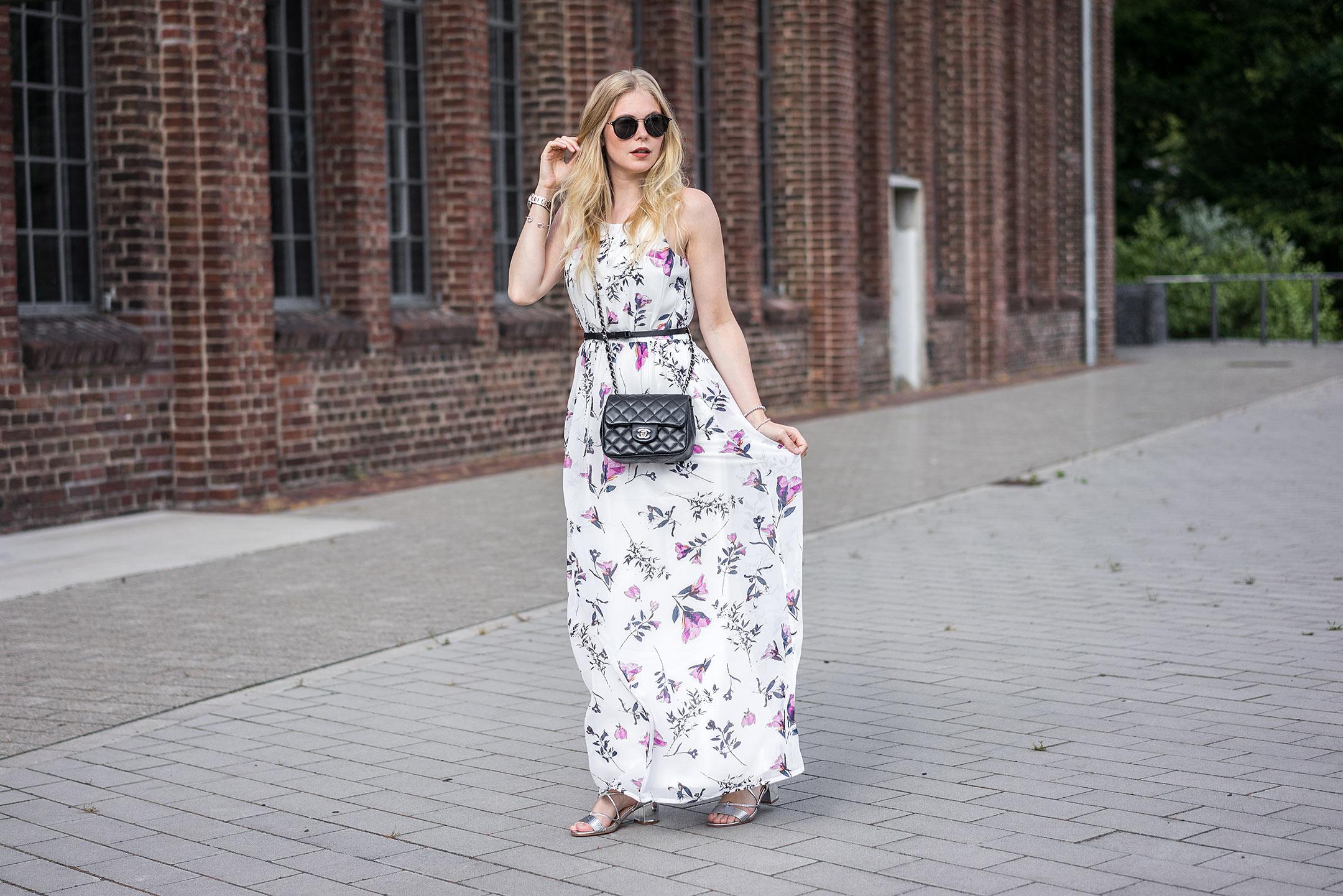 langes Kleid Blumenmuster Maxikleid Flowerprint Fashionblog Düsseldorf Sunnyinga