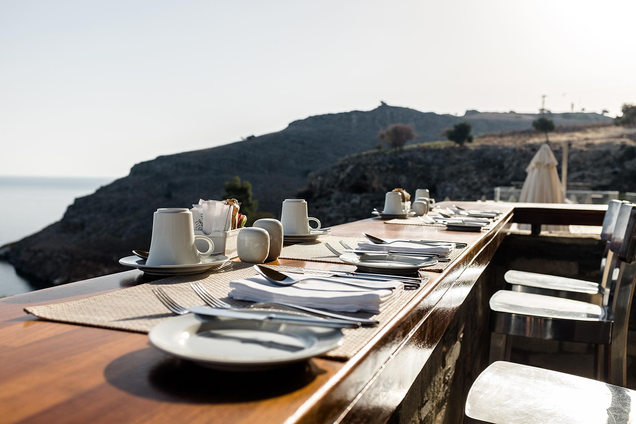 Lindos Blu Luxury Hotel Rhodos Bar Travel Blog Sunnyinga