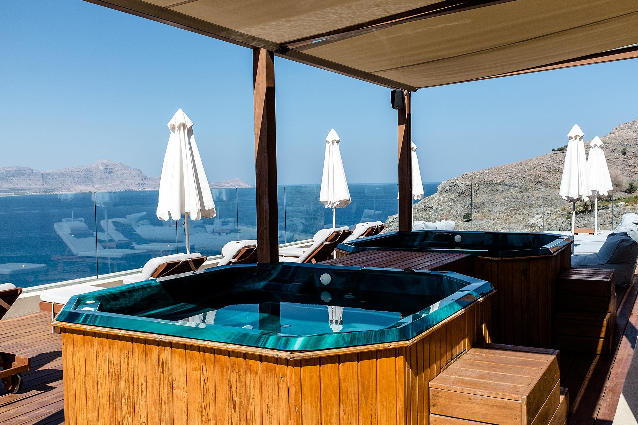 Lindos Blu Luxury Hotel Rhodos Jacuzzi Travel Blog Sunnyinga