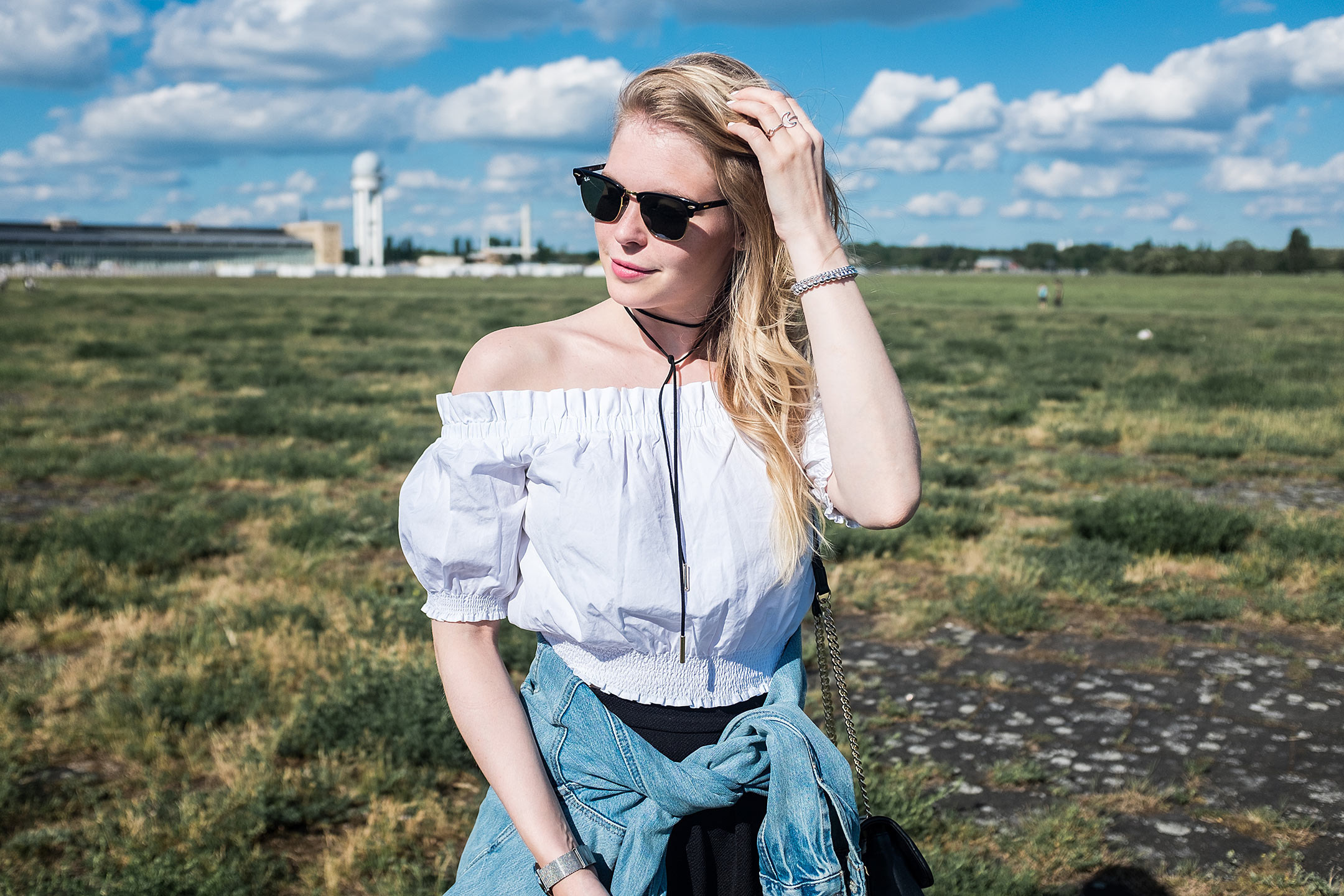 Off-Shoulder Bluse Outfit Inspiration Sunnyinga Fashion Blog Düsseldorf