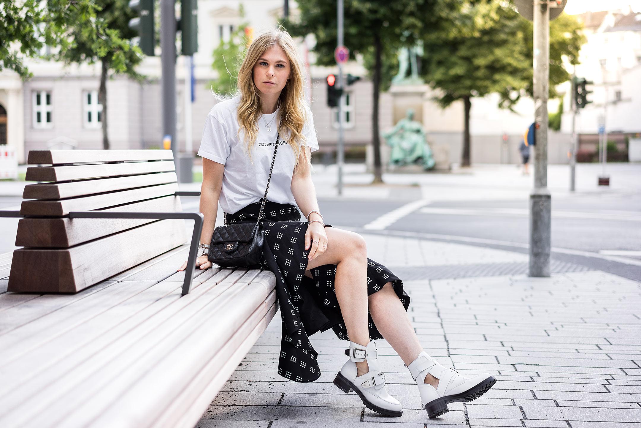 Outfit Inspiration Sunnyinga Modeblog Düsseldorf Boots Rock