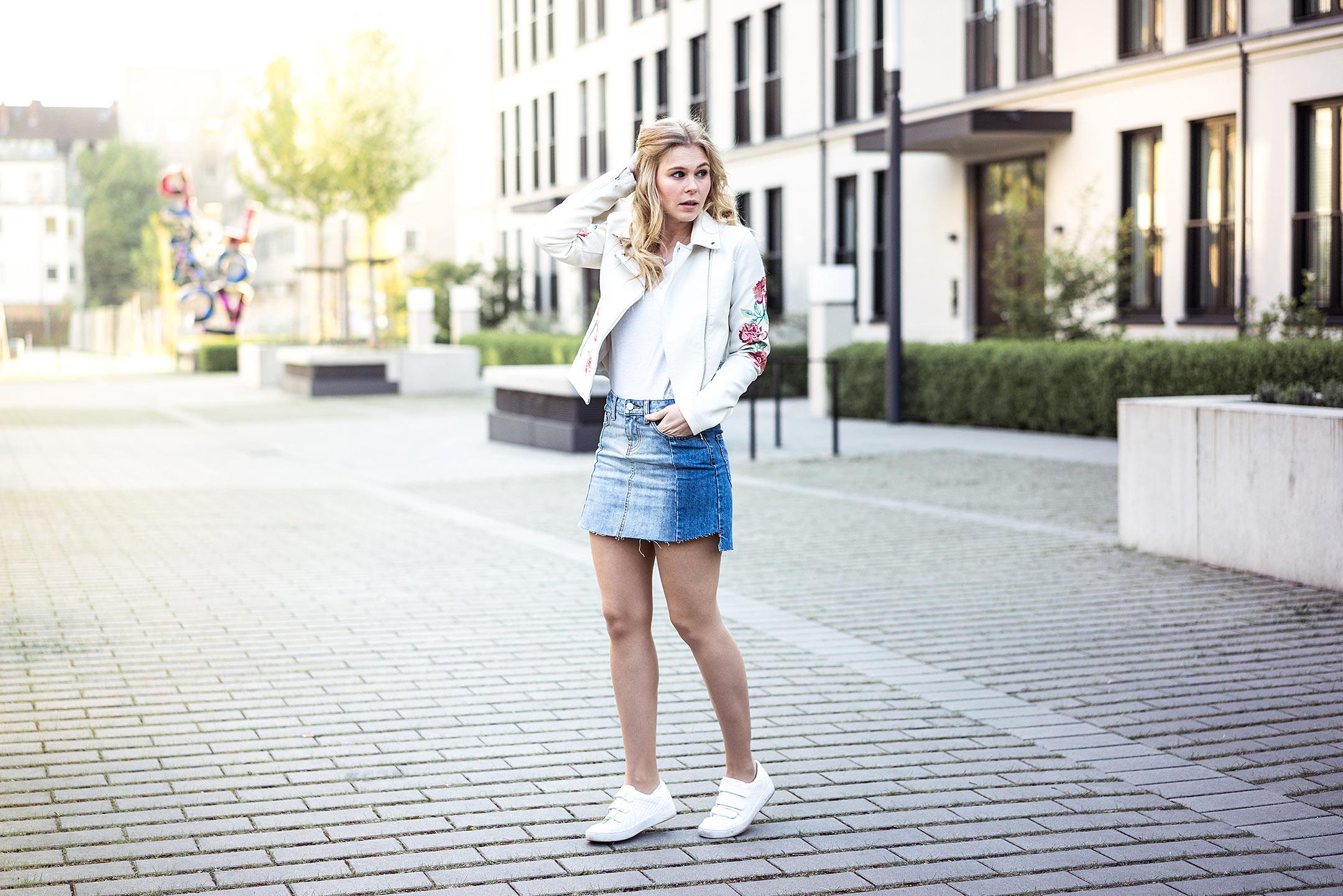 Outfit Jeansrock Sunnyinga Frühling Modeblog Düsseldorf Streetstyle