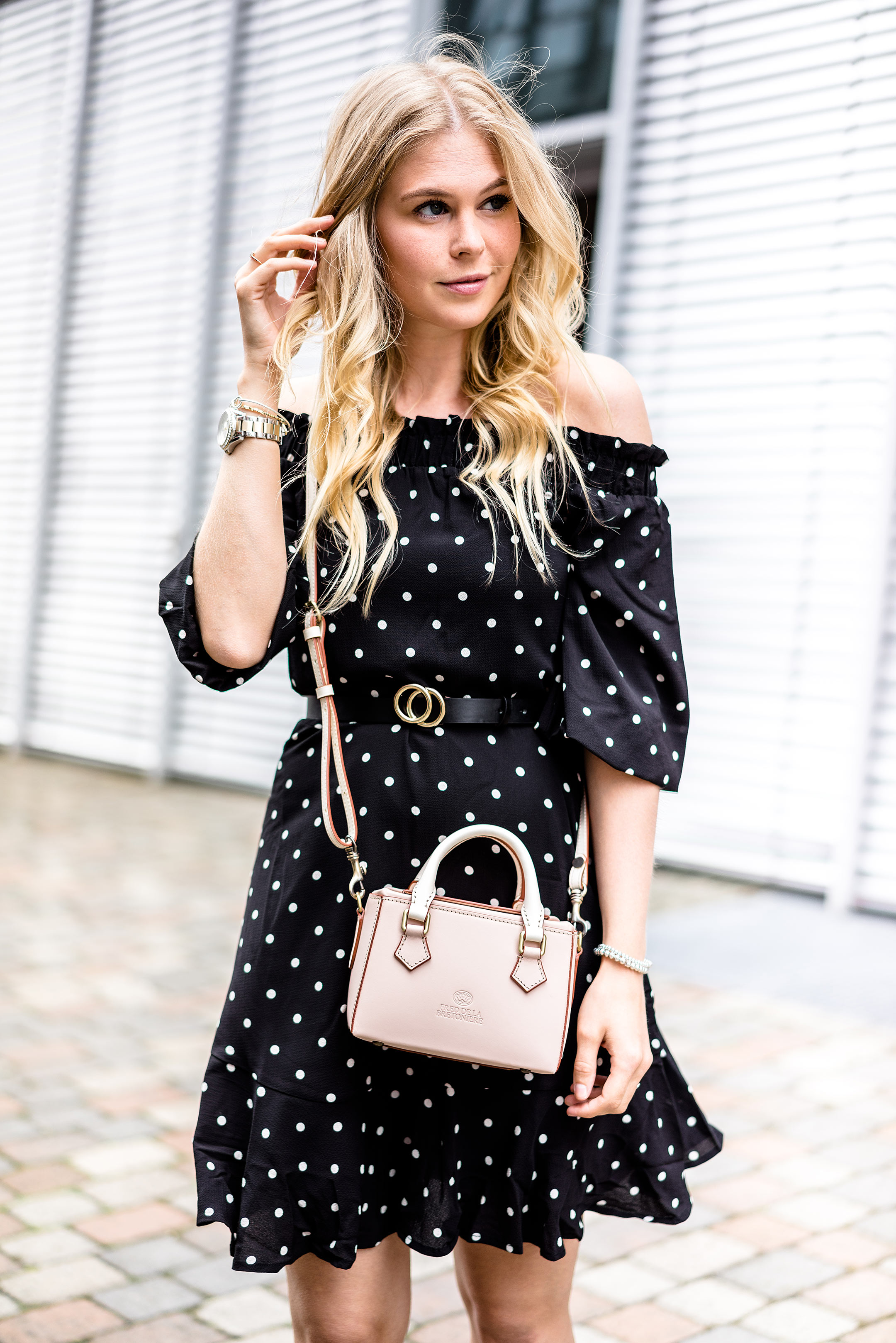 Outfit Sommer Streetstyle Fashion Bloggerin Sunnyinga Polka Dots