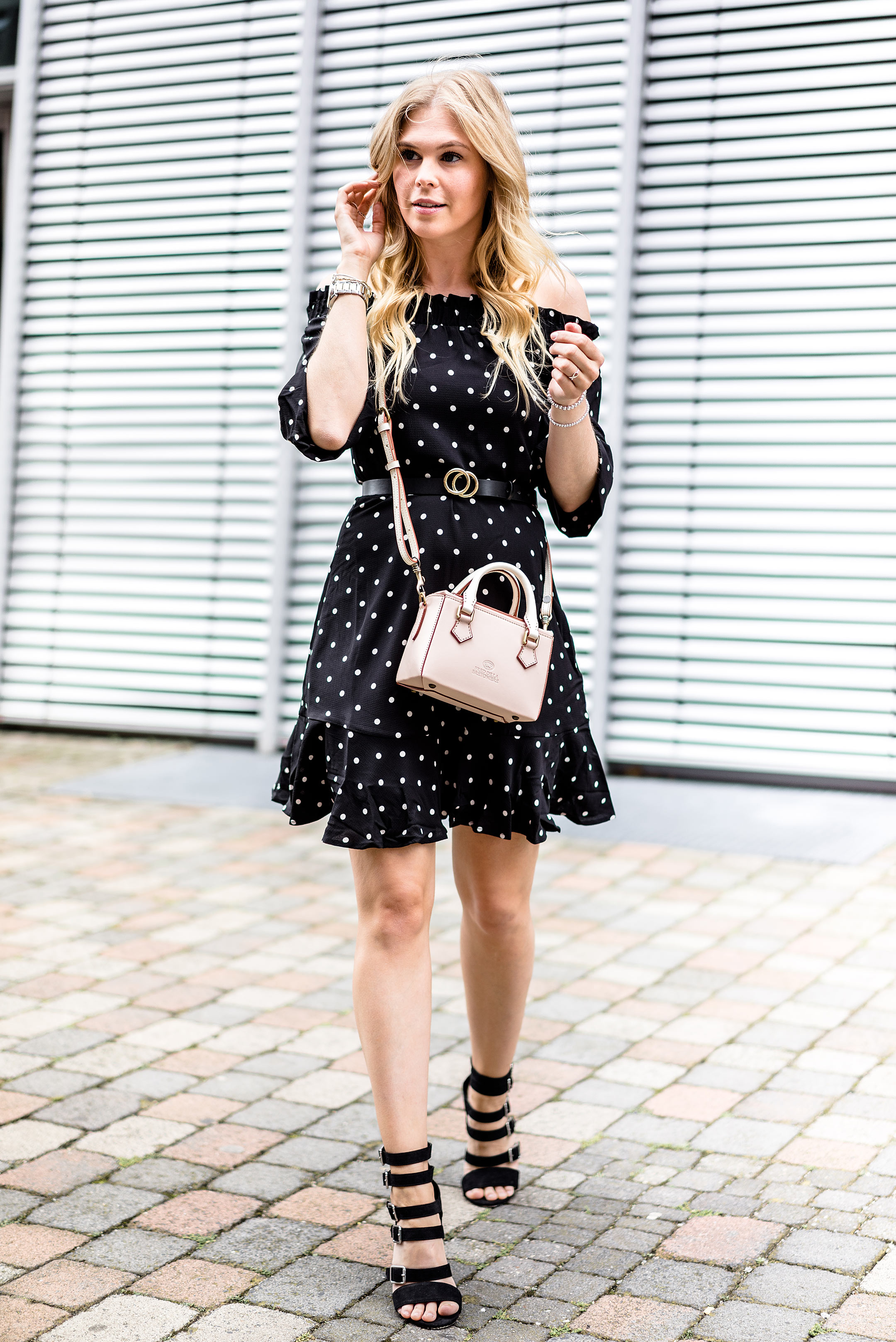 Outift Kleid Polka Dots Mini Bag Streetstyle Fashion Blogger Düsseldorf Sunnyinga