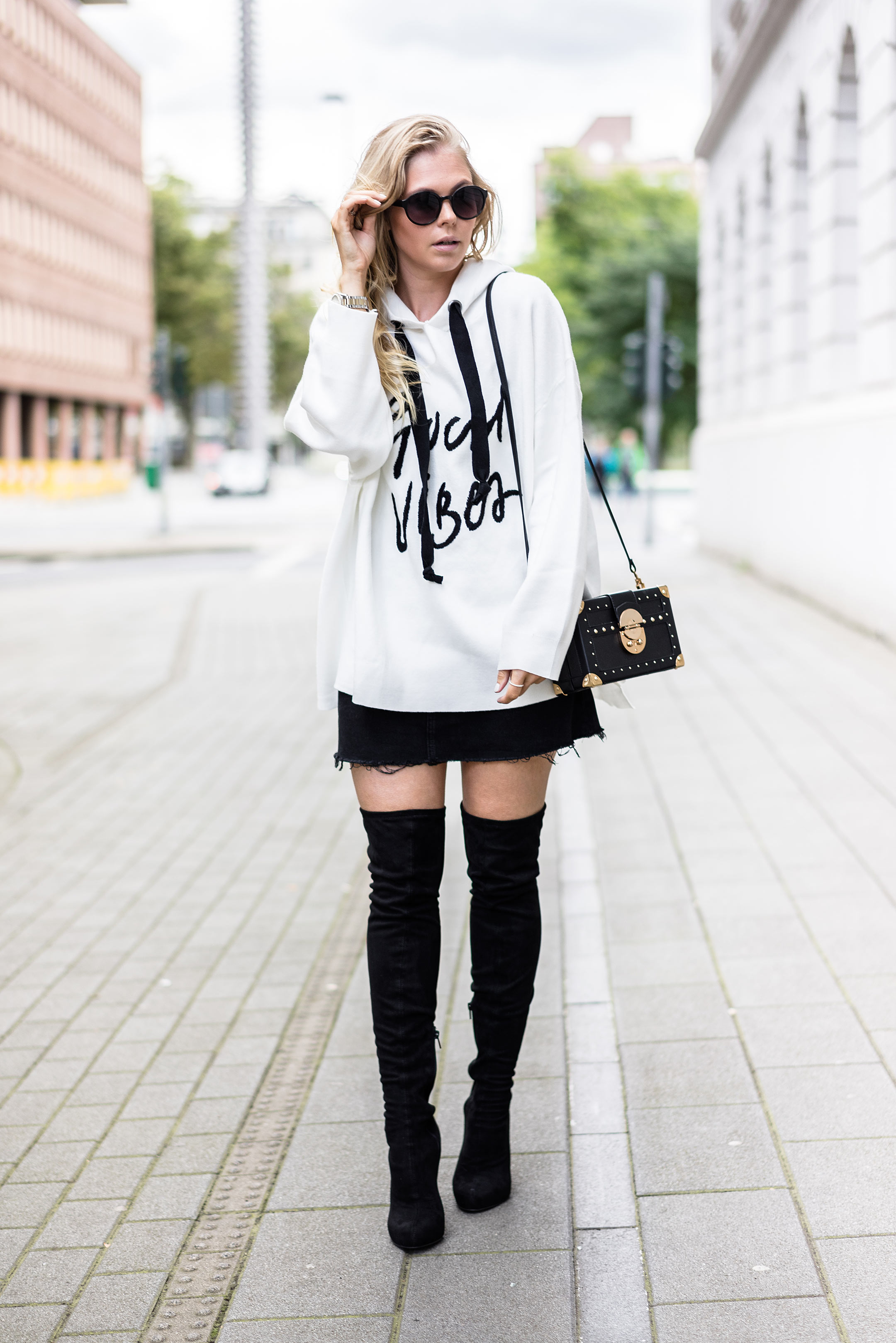 Oversized Sweater Fashion Bloggerin Sunnyinga Outfit Overknees