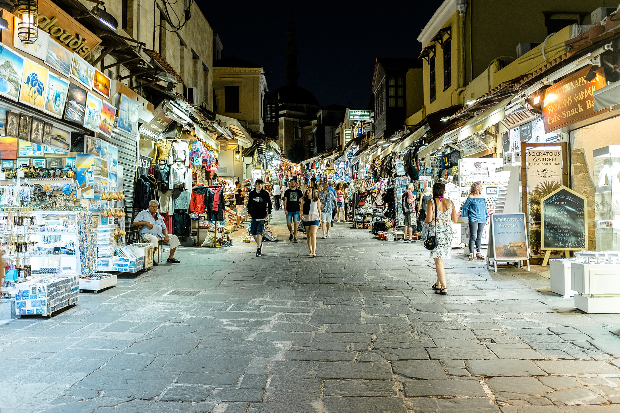 Rhodos Stadt Einkaufen Nacht Griechenland Travel Blog Sunnyinga