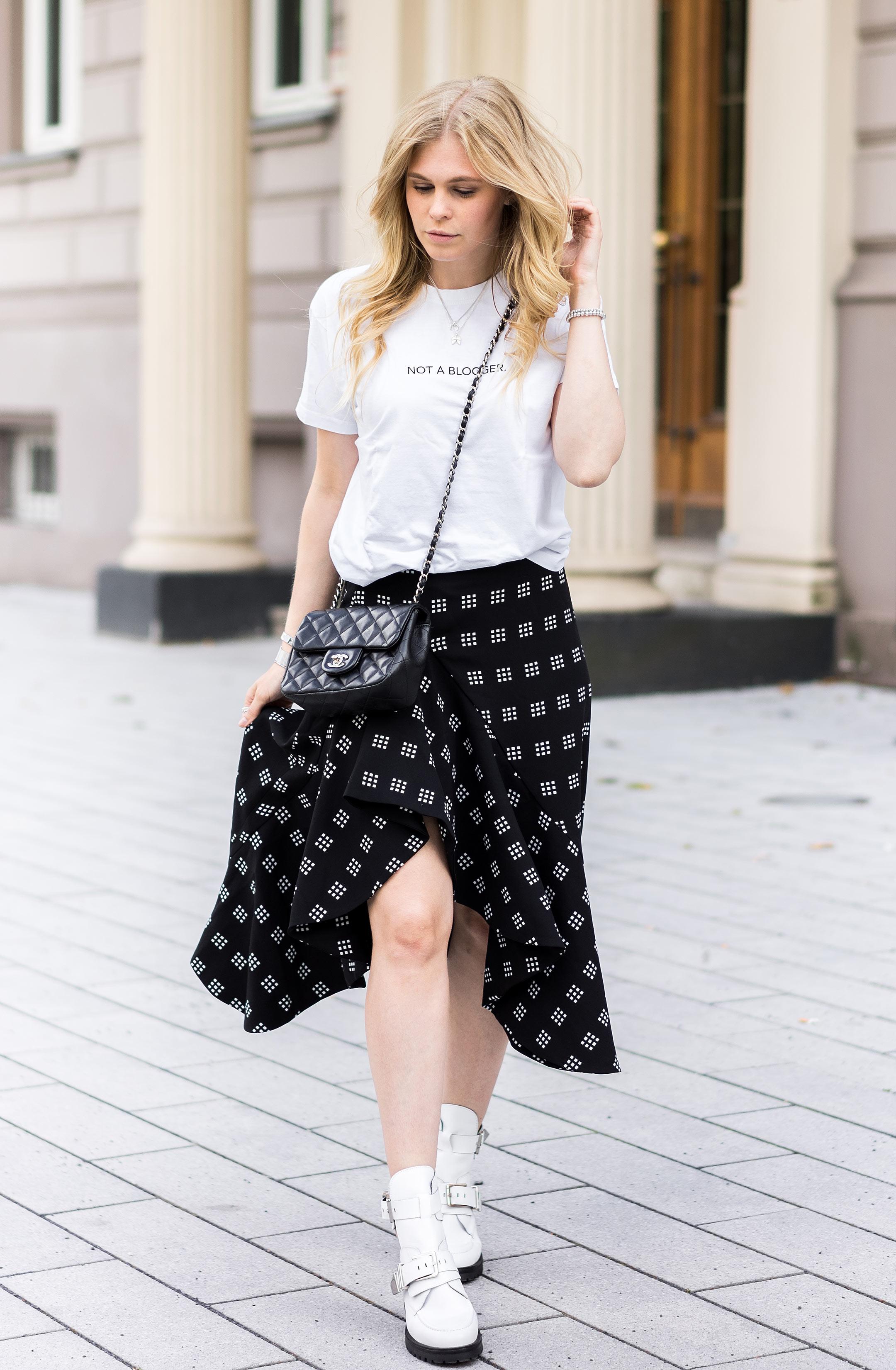 Streetstyle Midirock Boots Outfit Inspiration Fashion Blog Sunnyinga Düsseldorf