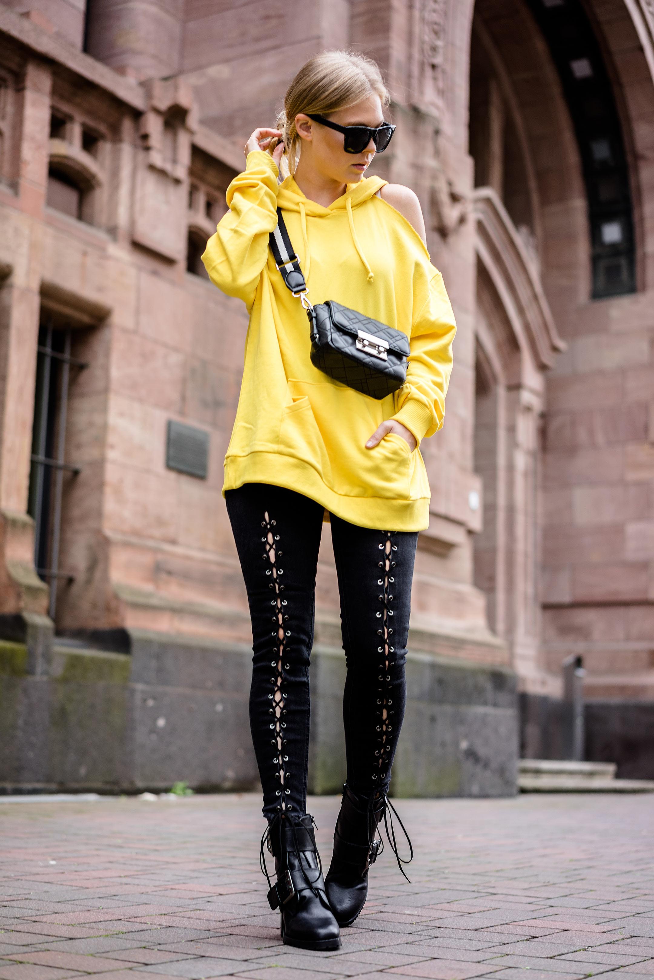 Streetstyle Outfit Fashion Blog Düsseldorf Sunnyinga Hoodie gelb