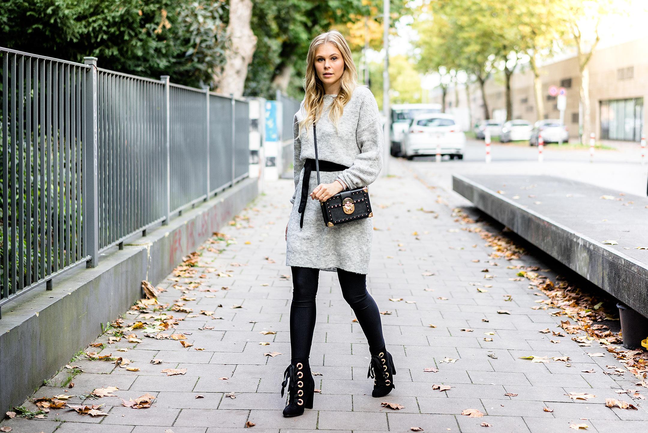Strickkleid Outfit Schnürboots Herbst Modeblog Sunnyinga