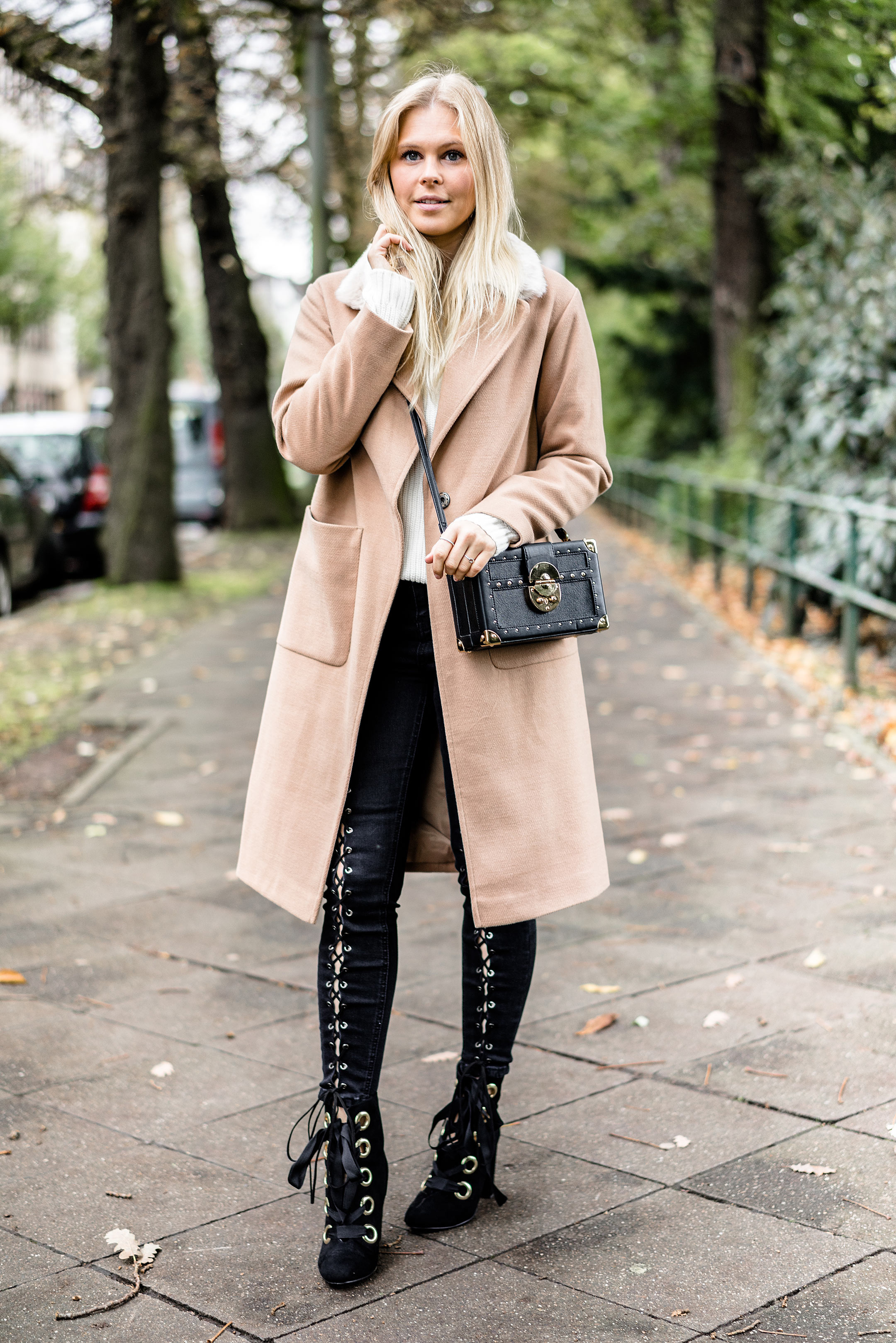 Sunnyinga Camel Coat Outfit Herbst Kombination Streetstyle Fashion Blogger