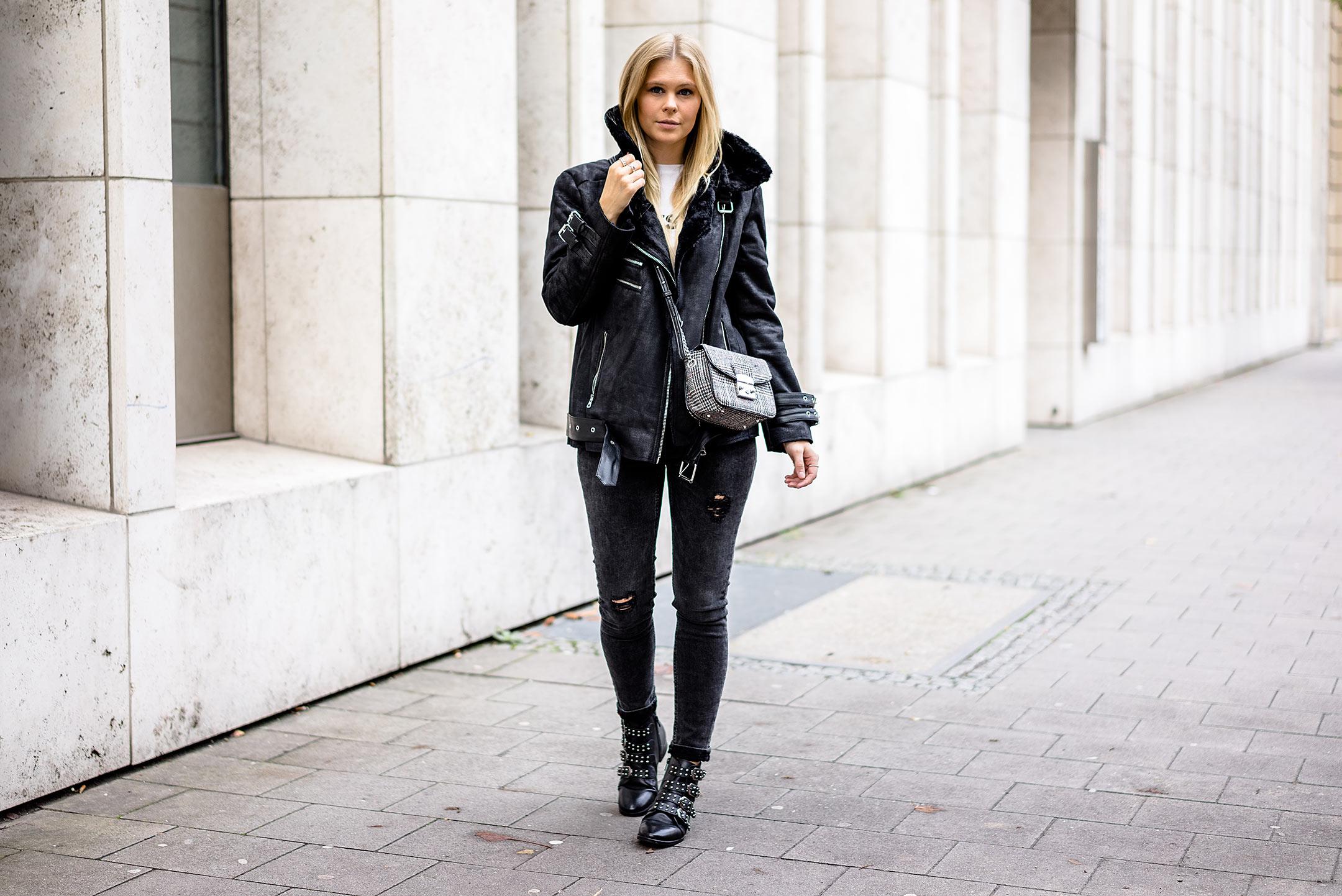 Sunnyinga Fashion Blogger Düsseldorf Bikerjacke Outfit Trend