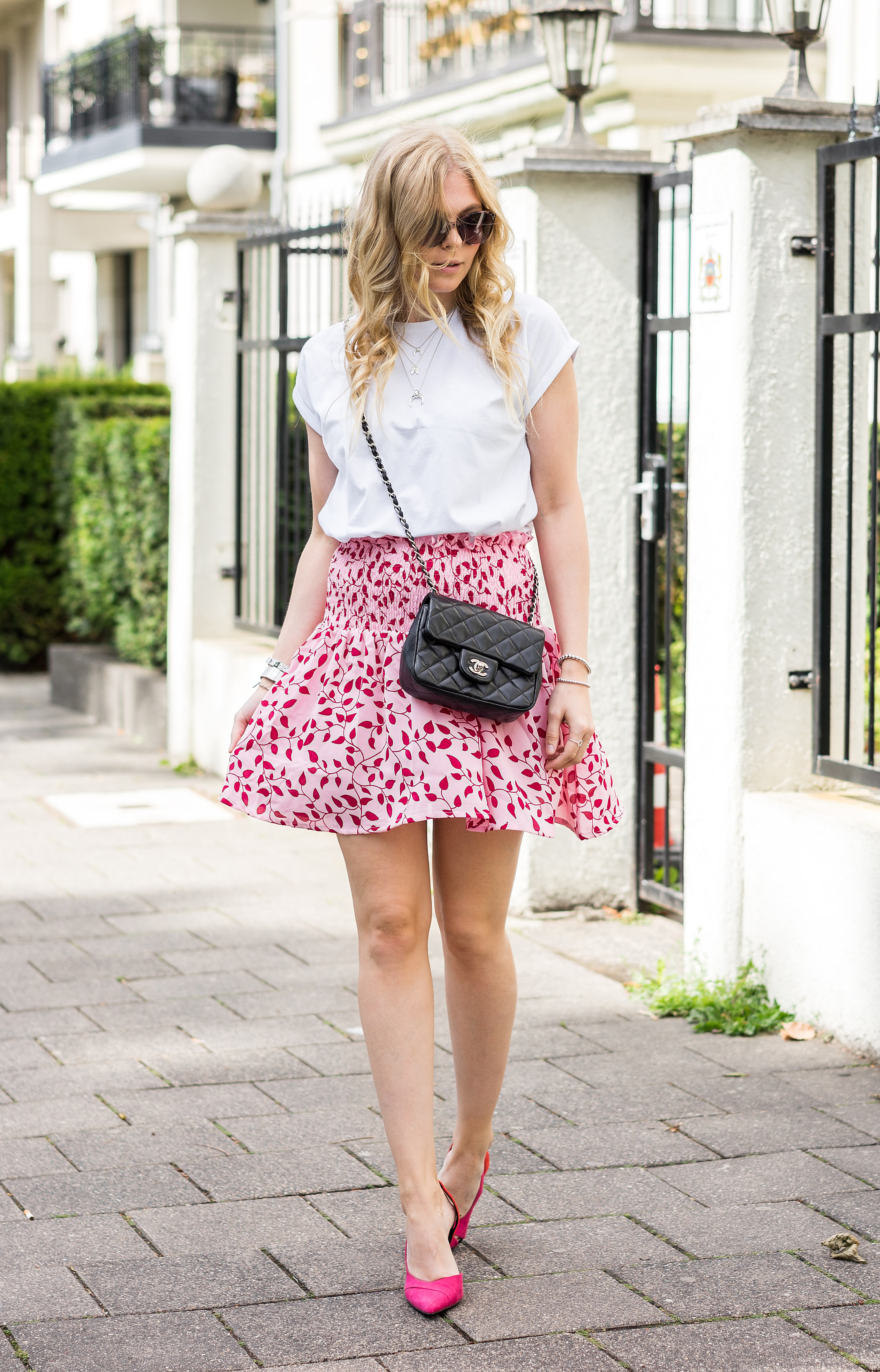 Sunnyinga Fashion Blogger Düsseldorf Outfit Rot und Pink Sommer