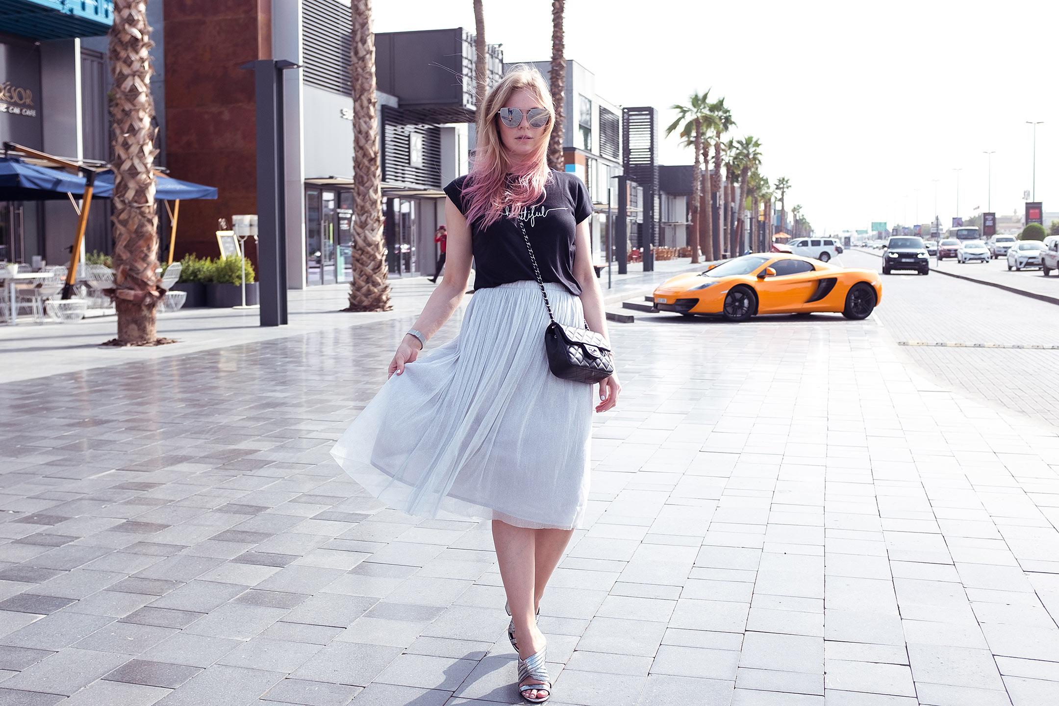Sunnyinga Fashionblog Mules Midirock Outfit Sommer