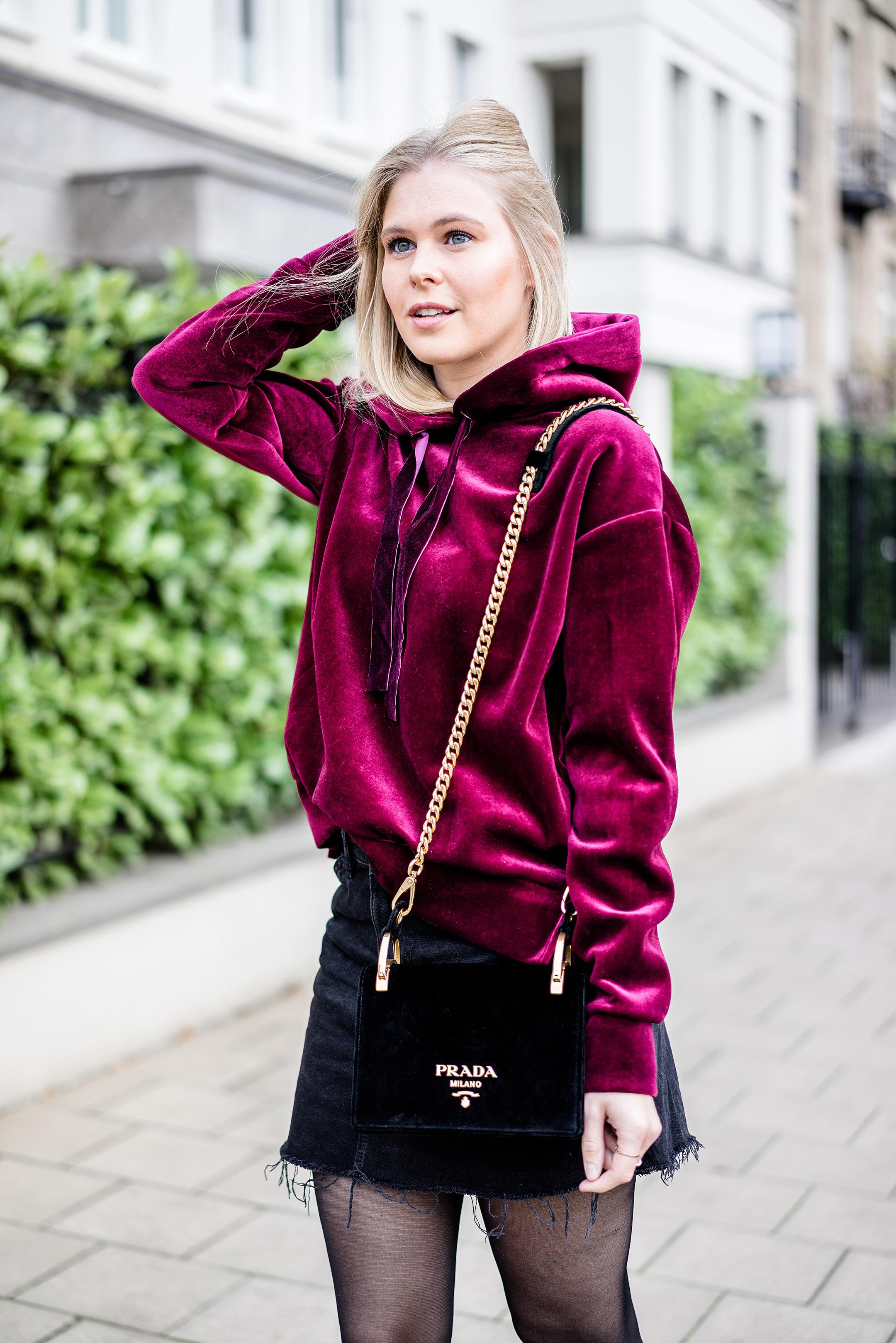 Sunnyinga Samt Outfit Herbst Trend Prada Handtasche schwarz Fashionette