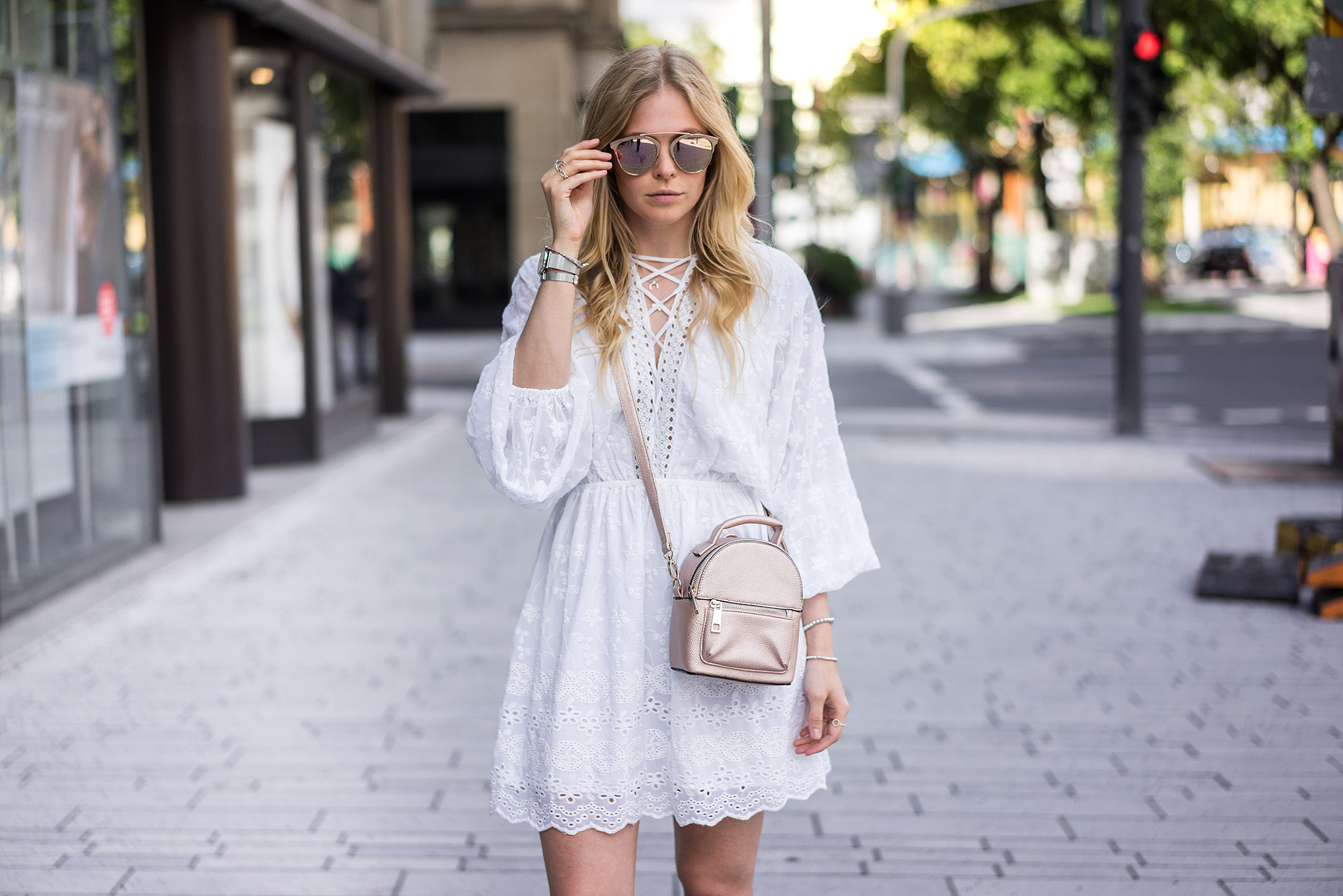 Sunnyinga Spitzenkleid weiss Outfit Fashion Blog Düsseldorf