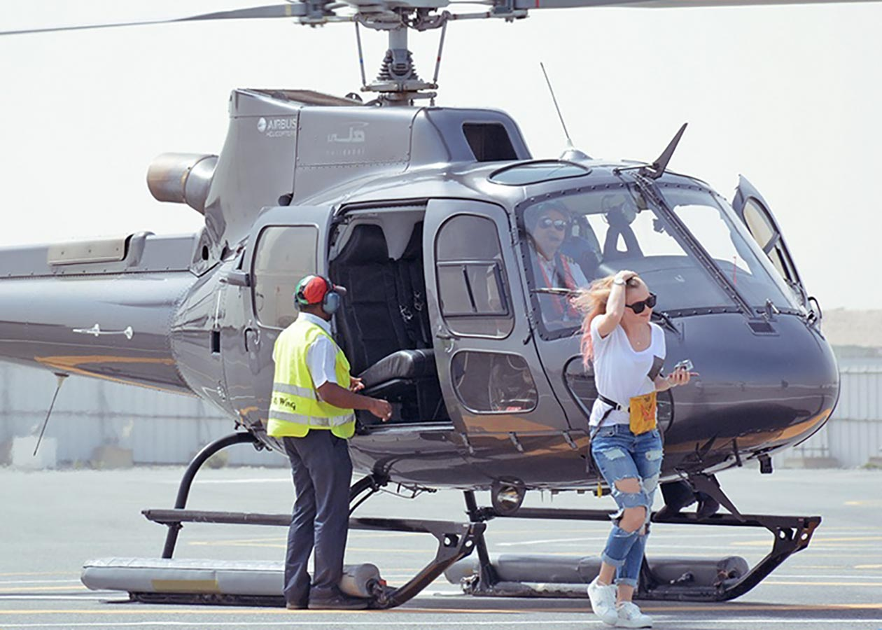 Sunnyinga Travelblog Helicopter Hollywood Star Dubai Helidubai