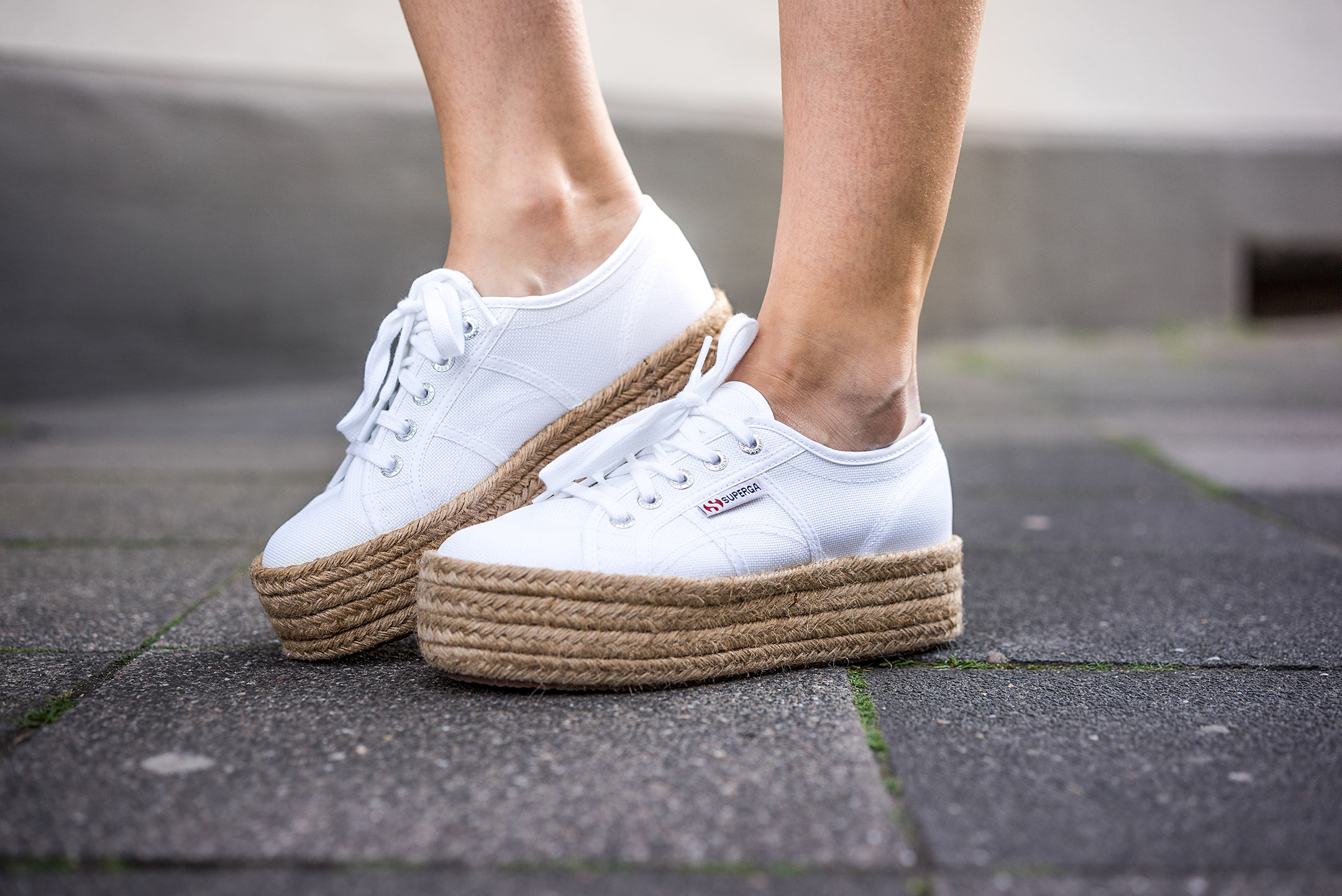 Superga Sneakerdrilles Weiss Plateau Schuhe Sommertrend Sunnyinga